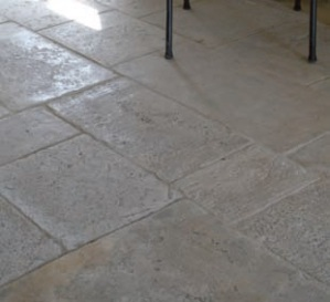 Organicstone - Atelier - Antique Cotswold Limestone - Random Flagstones - Engineered Stone Flooring