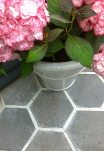Organicstone - RHS Chelsea 2014 Honeycomb Pathway & Beehive Pic6