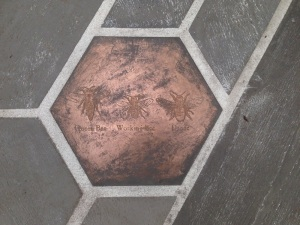 Organicstone - RHS Chelsea 2014 Honeycomb Pathway & Beehive Pic9